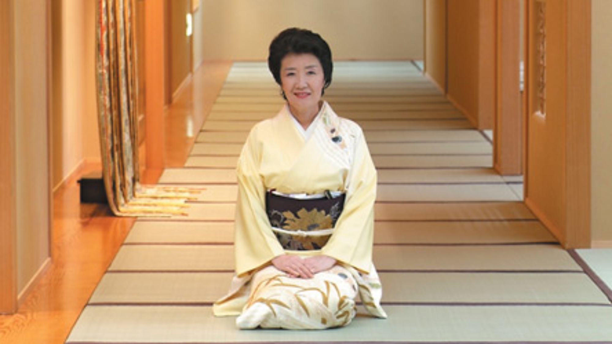 下塌旅館可以感受到古色古香的日本。榻榻米、「布團」(被褥)、浴衣、大浴場…這裏保留着日本人亙古不變的生活方式。毫不造作的關懷、熱情洋溢的服務,從中可以感覺到日本人的待客之道。旅遊日本,不妨一試下塌日式旅館。