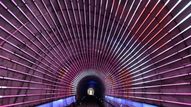 情人節限定光隧道/圖新北市政府觀旅局提供