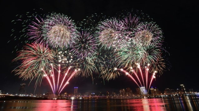 480秒愛你愛你煙火秀,照亮整個台北水岸夜空,讓所有人都感到浪漫又幸福。
