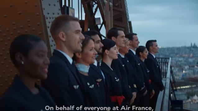 法航於巴黎鐵塔上拍攝