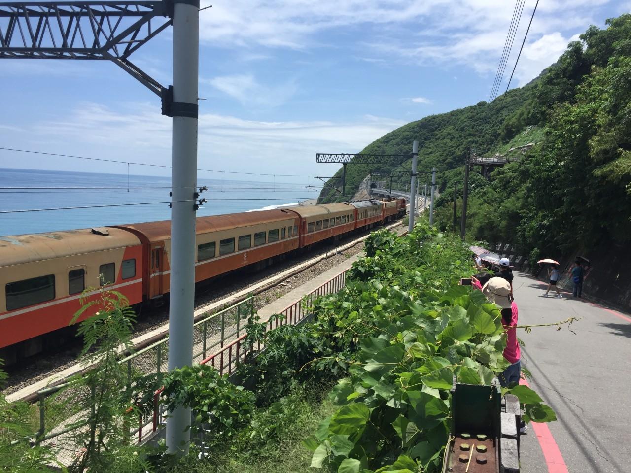 素有台灣最美的濱海車站「多良火車站」即日起徵收入園清潔費